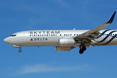 Delta Airlines Boeing 737-832 N3758Y 2-29-16