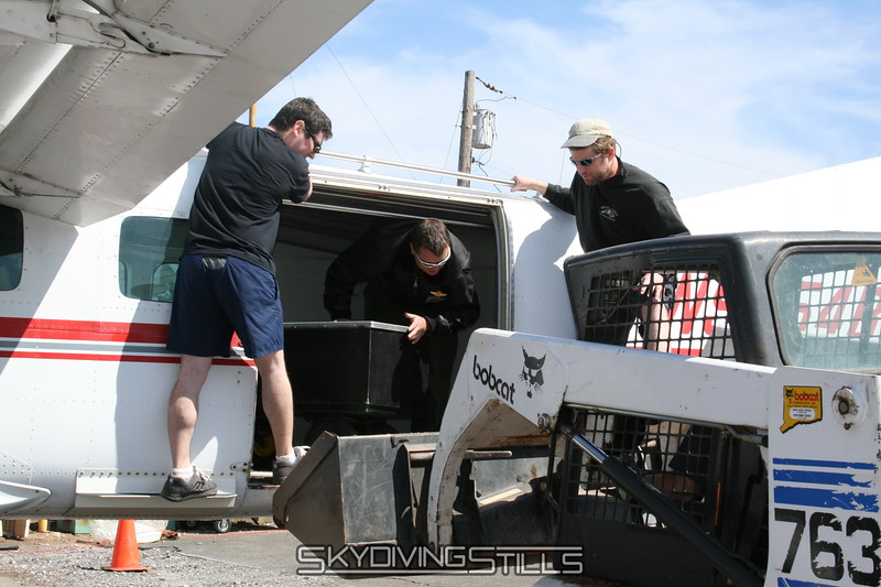 Unloading the battery cart, CPI style. 4/21/07