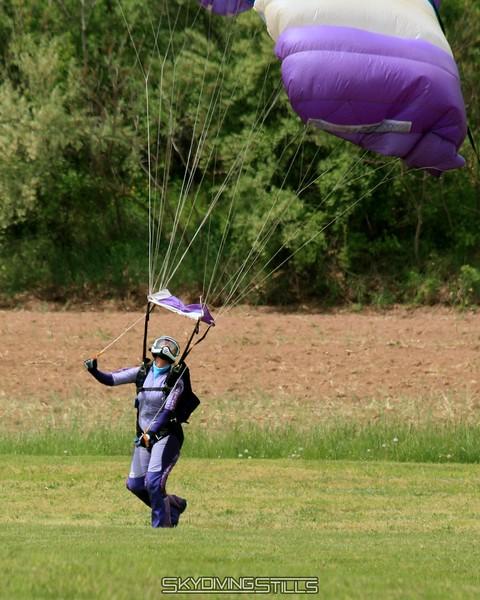 Kristin lands after her eleventy billionth jump as an AFF instructor (approximate). 5/18/08