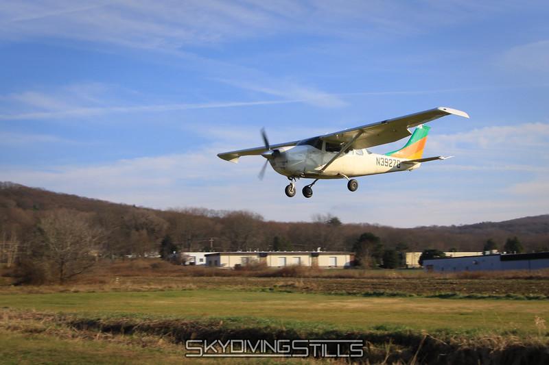 Cessna 206 on short final. 11/21/09