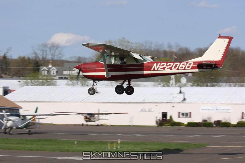 Cessna 152 on final. 4/26/09