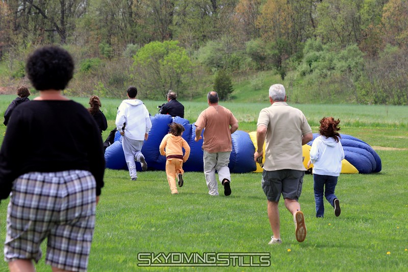 The family rushes out to greet the birthday boy. 5/2/09