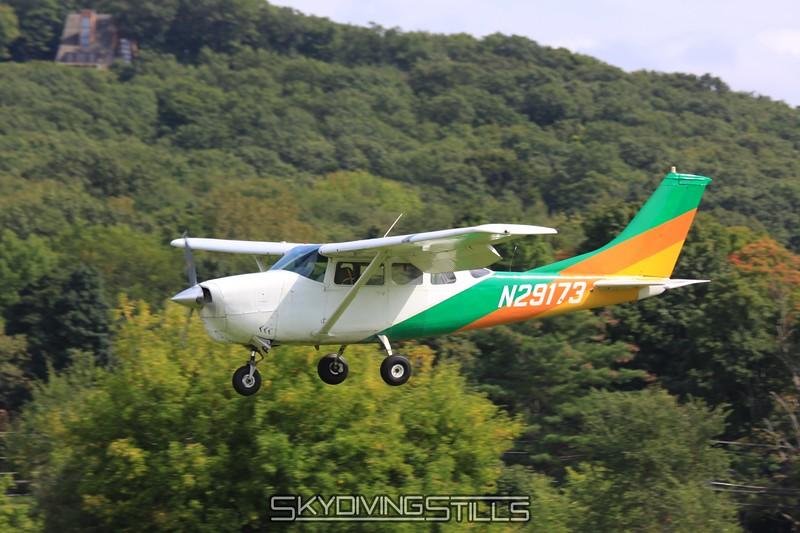 Cessna 206 on final. 9/7/09