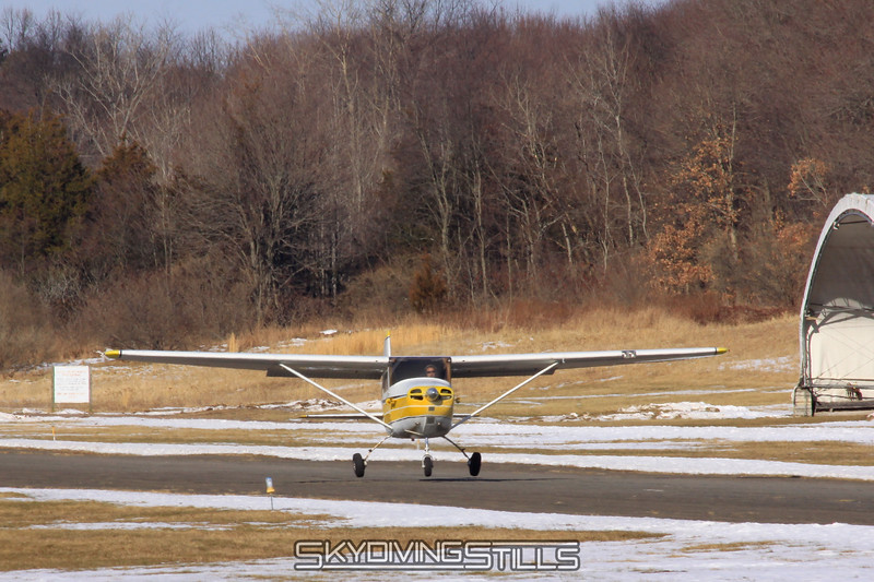 Cessna 172 lifts off. N9117B. 1/16/10