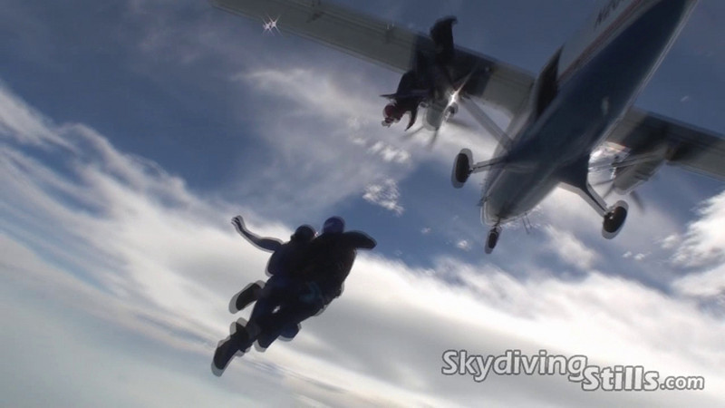 Video of Glenn's 25th jump, another 4-way. 5/2/10