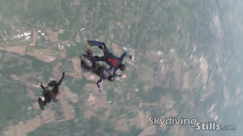 Video of a 4-way jump with Marty, Chris, Marian, and Tom D. 5/2/10