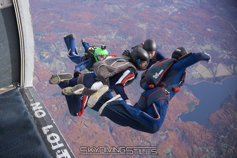 """True Blue exits. <br><span class=""""skyfilename"""" style=""""font-size:14px"""">2015-10-31_skydive_cpi_0228</span>"""
