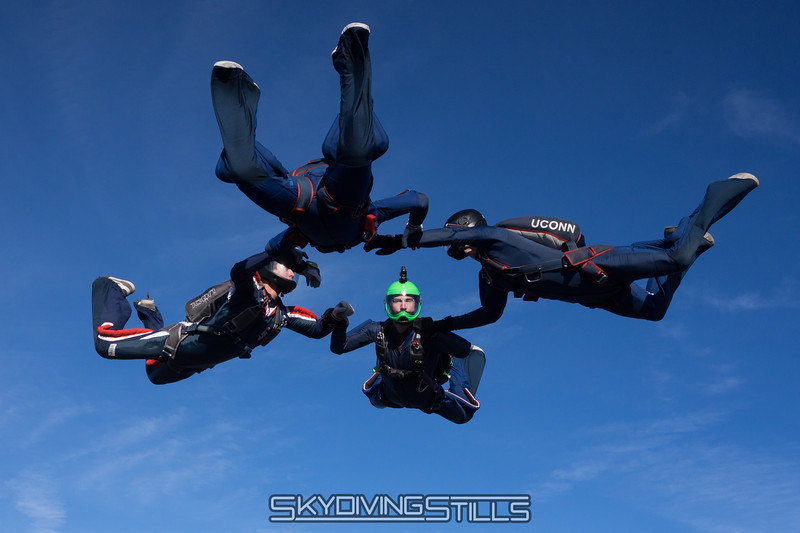 "True Blue 4-way. <br><span class=""skyfilename"" style=""font-size:14px"">2015-10-31_skydive_cpi_0467</span>"