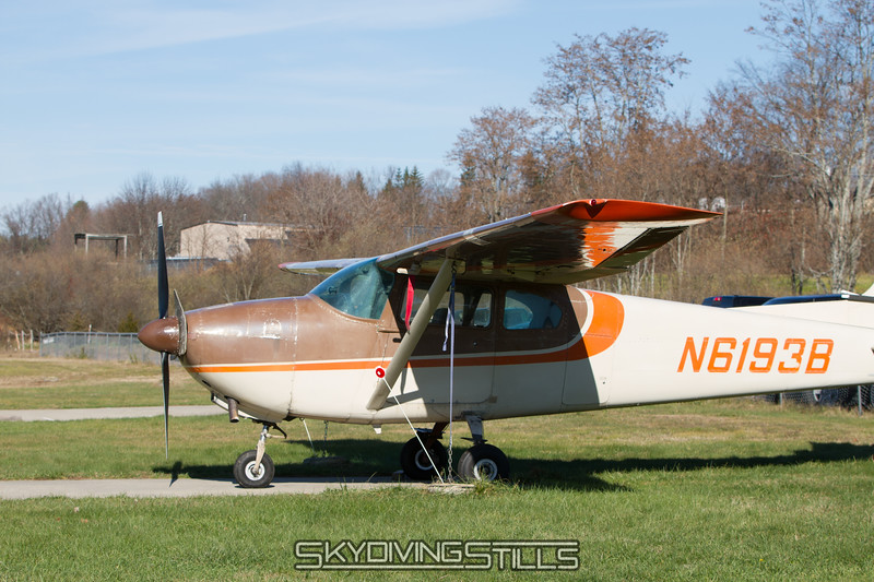 """Cessna tied down on a beautiful winter jumping day? <br><span class=""""skyfilename"""" style=""""font-size:14px"""">2015-11-21_skydive_cpi_0001</span>"""