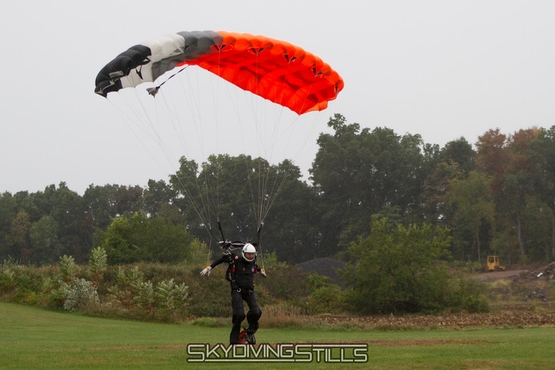 "BK returns after releasing Bob Sinclair's ashes. Published in Parachutist, December 2015. <br><span class=""skyfilename"" style=""font-size:14px"">2015-10-02_skydive_cpi_0214</span>"