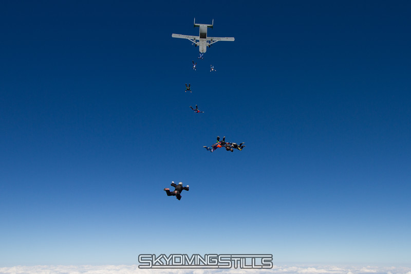 "<br><span class=""skyfilename"" style=""font-size:14px"">2015-08-09_skydive_cpi_0382</span>"