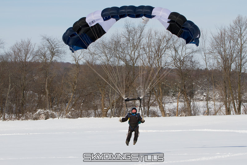 "Tom flares. <br><span class=""skyfilename"" style=""font-size:14px"">2016-02-06_skydive_cpi_0024</span>"