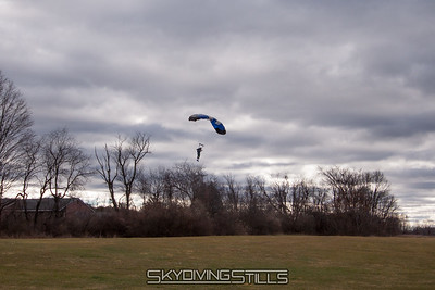 Mike gets caught by the strong wind and comes up short. 2016-12-03_skydive_cpi_0319