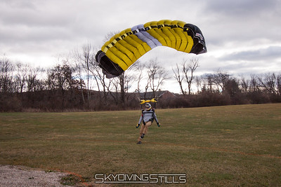 Chris comes up a little short. 2016-12-03_skydive_cpi_0238