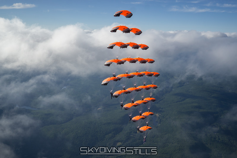 """Cloud level. <br><span class=""""skyfilename"""" style=""""font-size:14px"""">2016-07-02_skydive_jumptown_0712</span>"""