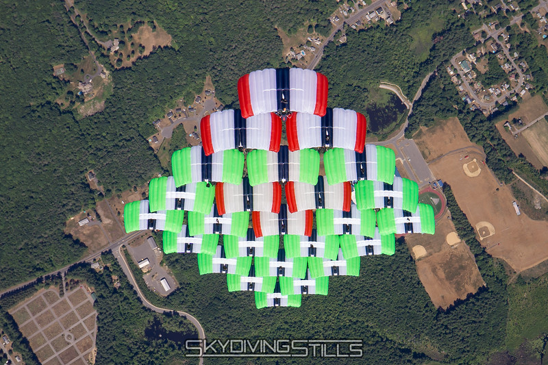 "Complete Triathlon 25-way. Published in Parachutist, September 2016. <br><span class=""skyfilename"" style=""font-size:14px"">2016-07-03_skydive_jumptown_0186</span>"