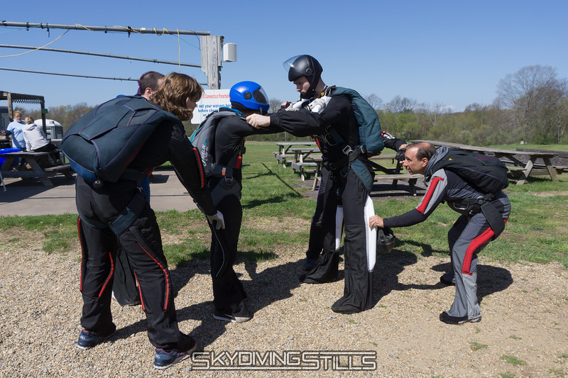 "Dirt dive for Greg's 100th jump. <br><span class=""skyfilename"" style=""font-size:14px"">2016-04-30_skydive_cpi_0003</span>"