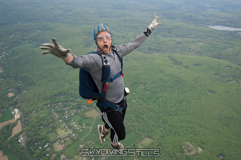 """Luckily, there aren't many bugs at 5000 feet. <br><span class=""""skyfilename"""" style=""""font-size:14px"""">2016-05-21_skydive_cpi_1363</span>"""