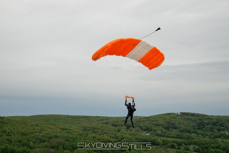 """Following Brian on base. <br><span class=""""skyfilename"""" style=""""font-size:14px"""">2016-05-21_skydive_cpi_1662</span>"""