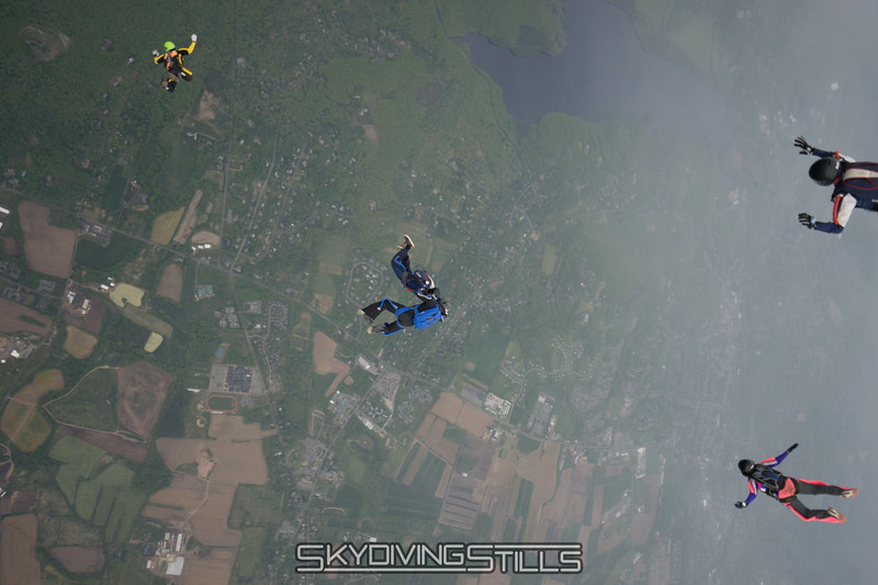 """Perfect exit. <br><span class=""""skyfilename"""" style=""""font-size:14px"""">2016-05-21_skydive_cpi_1564</span>"""