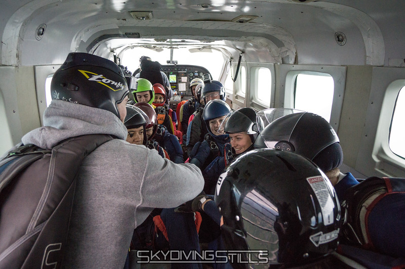 "Gooooo team! <br><span class=""skyfilename"" style=""font-size:14px"">2016-05-21_skydive_cpi_1375</span>"