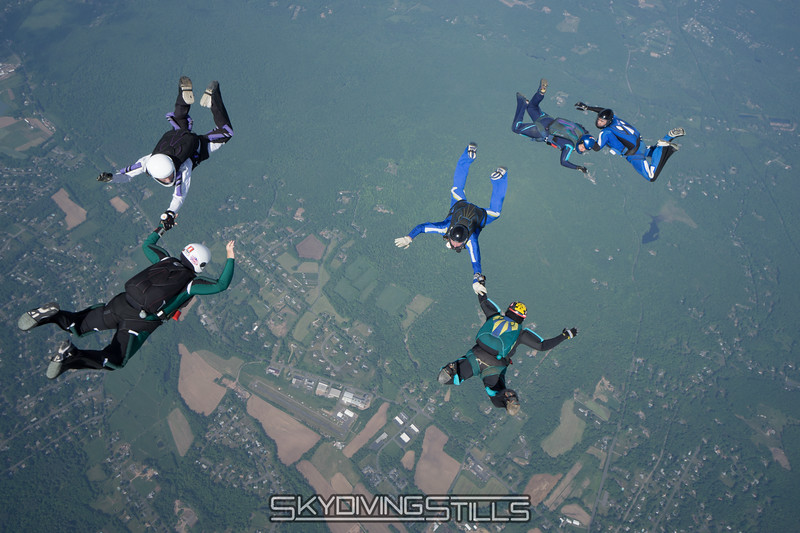 """Pieces. <br><span class=""""skyfilename"""" style=""""font-size:14px"""">2016-05-28_skydive_cpi_0204</span>"""