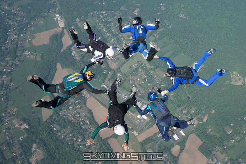"""Nice job on a tough formation! <br><span class=""""skyfilename"""" style=""""font-size:14px"""">2016-05-28_skydive_cpi_0231</span>"""