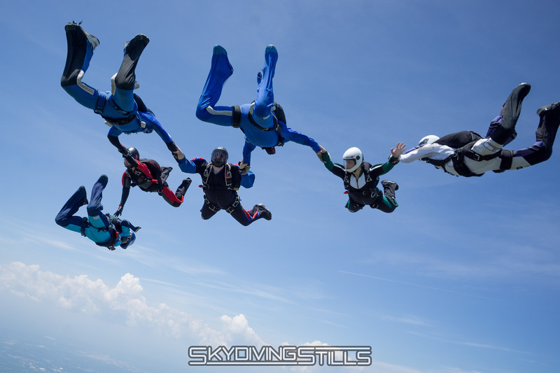 """Proof that Danielle pushed Wendy. <br><span class=""""skyfilename"""" style=""""font-size:14px"""">2016-05-28_skydive_cpi_0094</span>"""