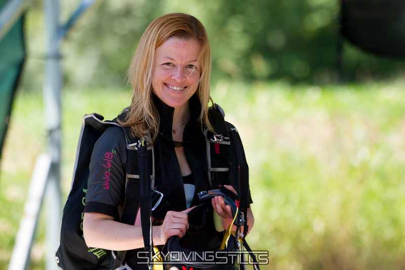 """Bryce welcomes us to this weekend's pictures. <br><span class=""""skyfilename"""" style=""""font-size:14px"""">2016-06-25_skydive_cpi_0010</span>"""