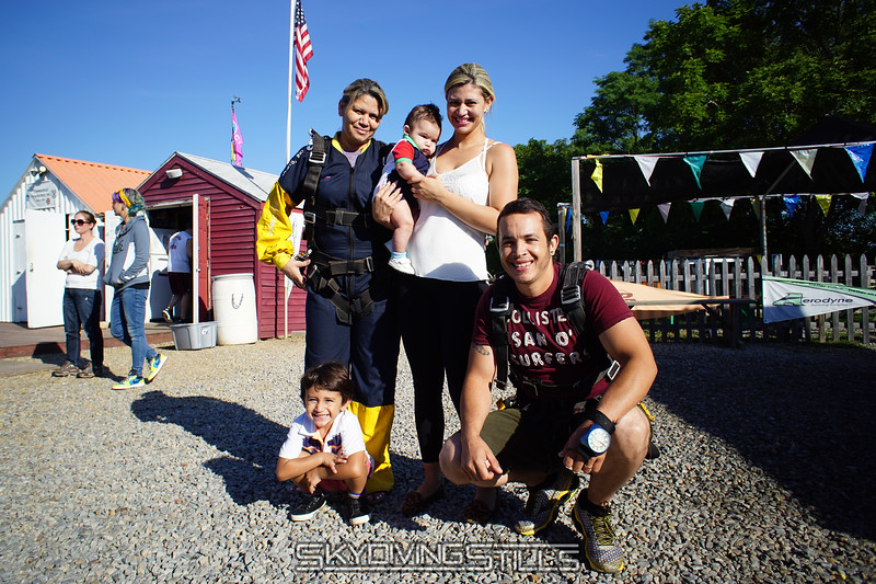 """Ana Rosa and her family. <br><span class=""""skyfilename"""" style=""""font-size:14px"""">2016-08-27_skydive_cpi_0004</span>"""