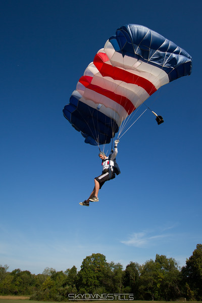"Doug approaches the tuffet. <br><span class=""skyfilename"" style=""font-size:14px"">2016-09-17_skydive_cpi_0009</span>"