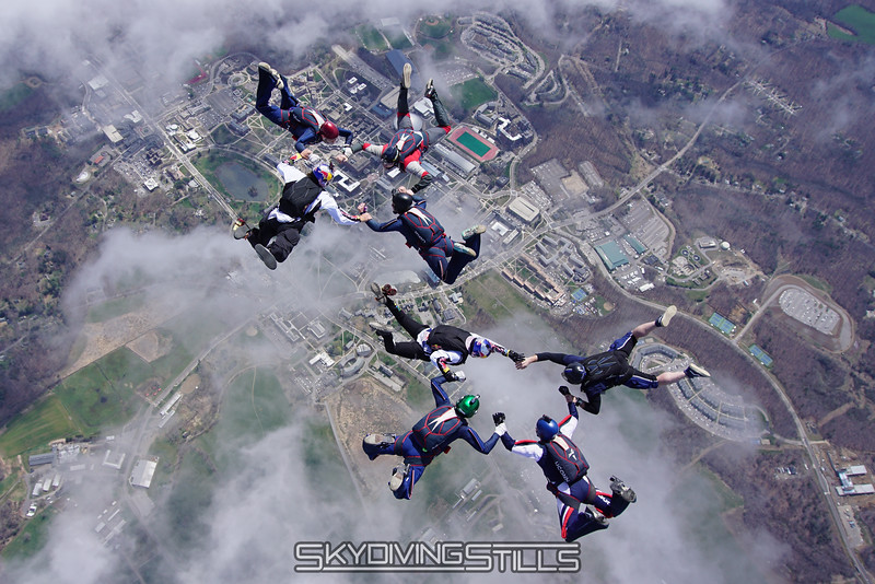 "Turning pieces. <br><span class=""skyfilename"" style=""font-size:14px"">2016-04-23_skydive_cpi_0126</span>"