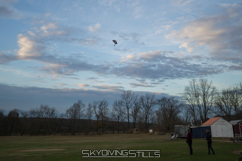 """Danielle heads for the north field. <br><span class=""""skyfilename"""" style=""""font-size:14px"""">2017-11-25_skydive_cpi_0151</span>"""