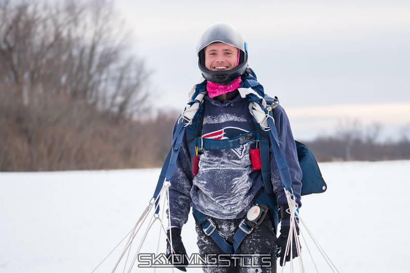 "This is how you're all supposed to look after a snow jump! Published in Parachutist, December 2018. <br><span class=""skyfilename"" style=""font-size:14px"">2017-12-17_skydive_cpi_0276</span>"