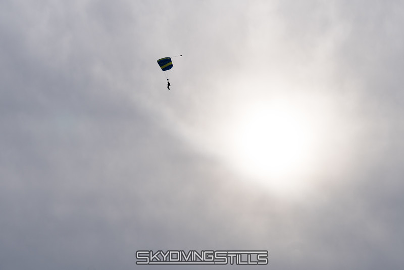 """Flying by the sun. <br><span class=""""skyfilename"""" style=""""font-size:14px"""">2017-12-17_skydive_cpi_0058</span>"""
