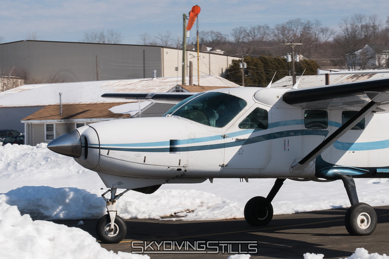 """Bob taxies out for Caravan Load 1. <br><span class=""""skyfilename"""" style=""""font-size:14px"""">2017-02-18_skydive_cpi_0014</span>"""
