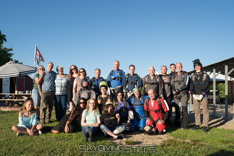 "Group picture before the first ash dive. <br><span class=""skyfilename"" style=""font-size:14px"">2017-06-24_skydive_cpi_0261</span>"
