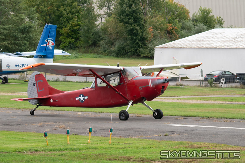 "Cessna O-1 Bird Dog banner tow plane. <br><span class=""skyfilename"" style=""font-size:14px"">2018-10-06_skydive_cpi_0003</span>"
