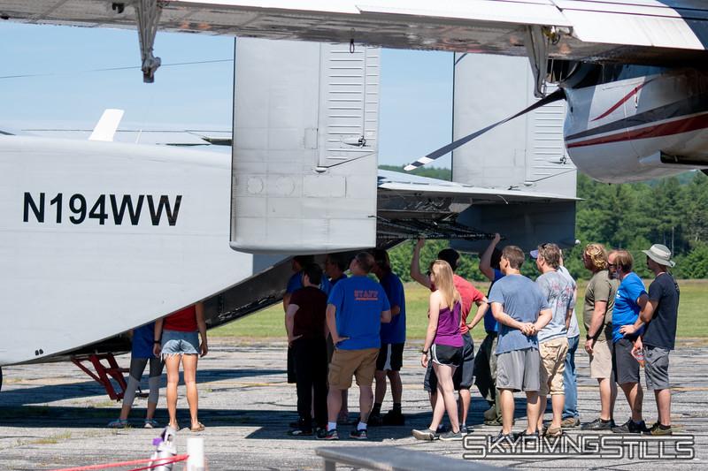 "Skyvan briefing. <br><span class=""skyfilename"" style=""font-size:14px"">2018-06-29_skydive_jumptown_0003</span>"