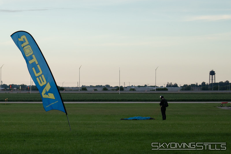 "Arrived at CSC. <br><span class=""skyfilename"" style=""font-size:14px"">2018-09-06_skydive_csc_0002</span>"