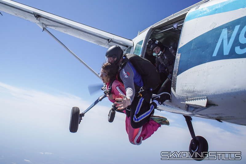 """Ashley's tandem with Dimes. <br><span class=""""skyfilename"""" style=""""font-size:14px"""">2018-04-14_skydive_cpi_0389</span>"""