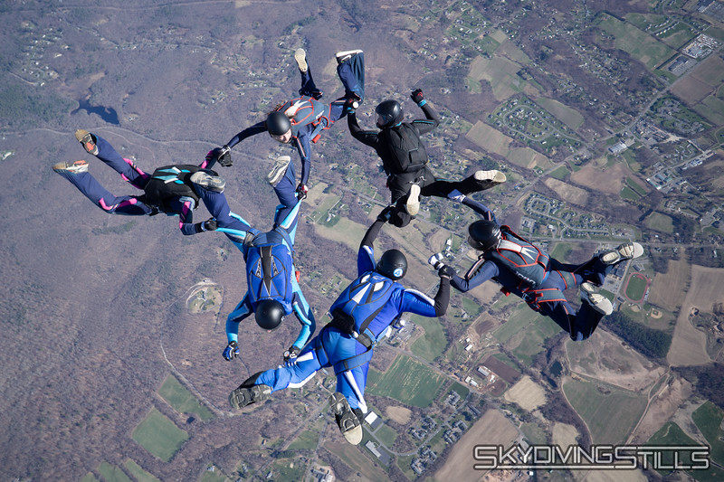 "Redocking for a second point. <br><span class=""skyfilename"" style=""font-size:14px"">2018-04-22_skydive_cpi_0660</span>"