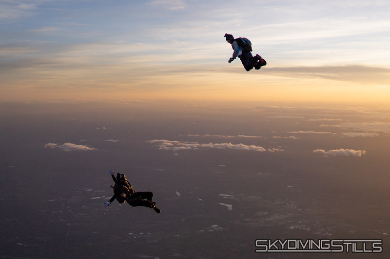 "Jeff turns around. <br><span class=""skyfilename"" style=""font-size:14px"">2018-05-20_skydive_cpi_0280</span>"