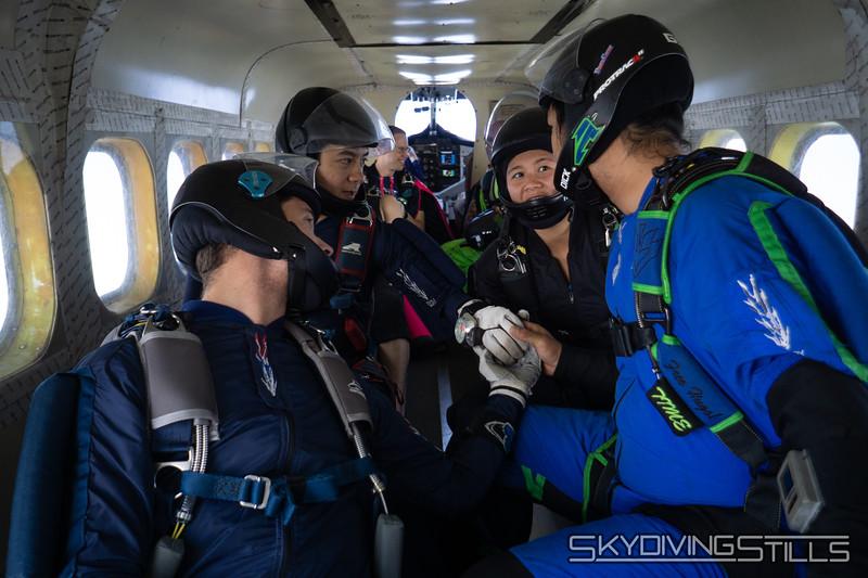 "Go team! <br><span class=""skyfilename"" style=""font-size:14px"">2018-07-28_skydive_cpi_0005</span>"