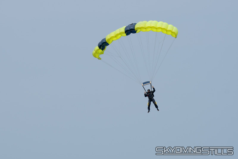 "Jason turning final. Photo by Tom J. <br><span class=""skyfilename"" style=""font-size:14px"">2019-06-01_skydive_cpi_0015</span>"