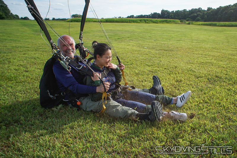 "Mike slides in. <br><span class=""skyfilename"" style=""font-size:14px"">2019-08-11_skydive_cpi_1589</span>"