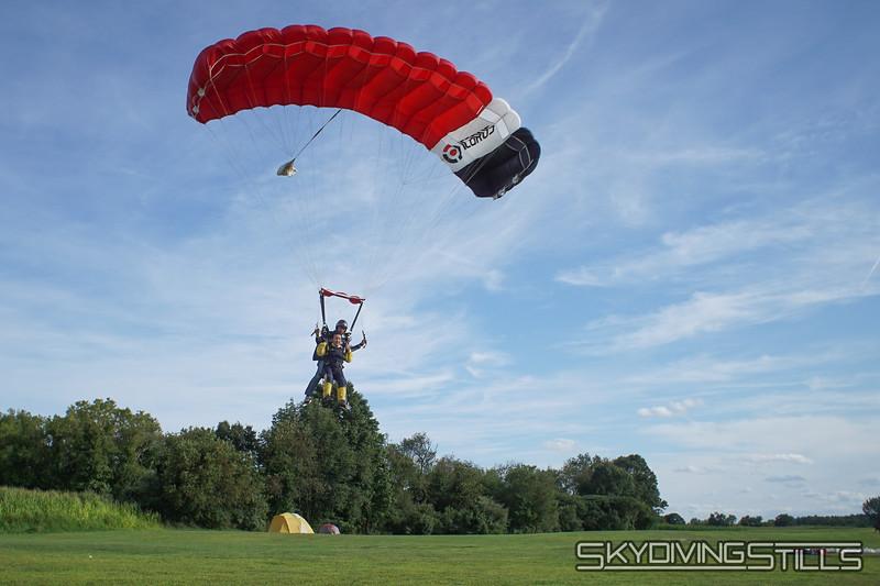 "Aani's yandem. <br><span class=""skyfilename"" style=""font-size:14px"">2019-08-11_skydive_cpi_1566</span>"