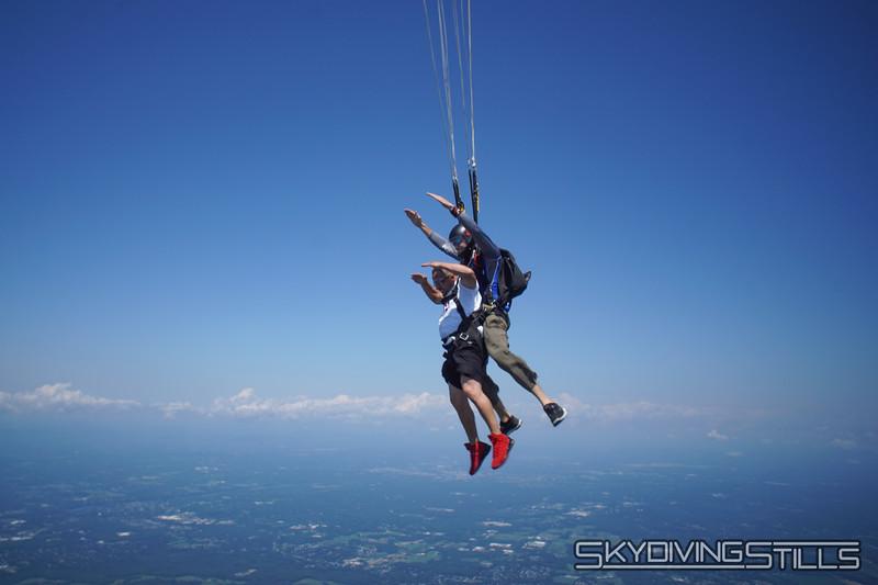 "Yoink! <br><span class=""skyfilename"" style=""font-size:14px"">2019-08-04_skydive_cpi_0391</span>"
