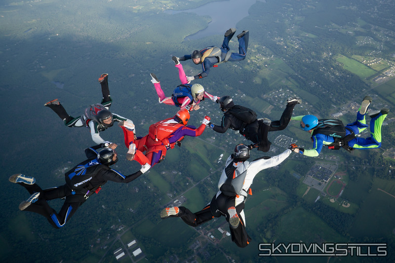 """Missing Rob formation. <br><span class=""""skyfilename"""" style=""""font-size:14px"""">2019-08-04_skydive_cpi_1430</span>"""