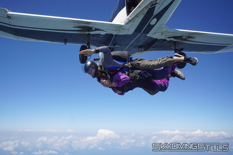 """Lynne's tandem with Justin. <br><span class=""""skyfilename"""" style=""""font-size:14px"""">2019-08-04_skydive_cpi_0571</span>"""